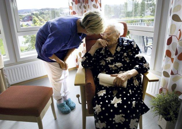 Alltid Der: Sykepleierne er der når du blir født, på helsestasjonen, når du har behov for å snakke med helsesøster, hvis du eller dine blir syke eller trenger hjelp til å mestre hverdagen – gjennom hele livet møter du en sykepleier.Foto: NTB Scanpix
