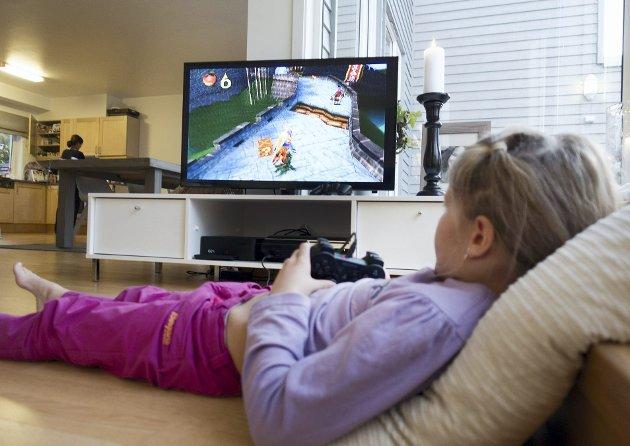 – Om jeg gir en brukt playstation til et barn, kunne det ikke brydd seg mindre om innpakningen. Den kan ikke komme fort nok ut av pakken for å få den i gang på skjermen. ILLUSTRASJONSFOTO: GORM KALLESTAD, NTB