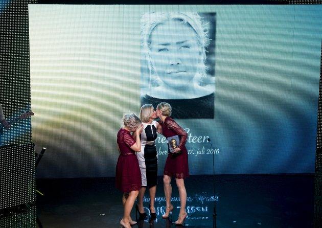 Året etter sin død, mottok Thea Steen prisen for «Årets forbilde» for Sjekkdeg-kampanjen. FOTO: NTB