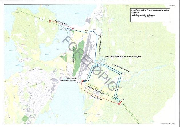 Slik ser Statnett førebels for seg at linjene frå den nye transformatorstasjonen inn mot Hydro si parkering (mot Postvegen) skal stå. (Blå linjer på kartet).