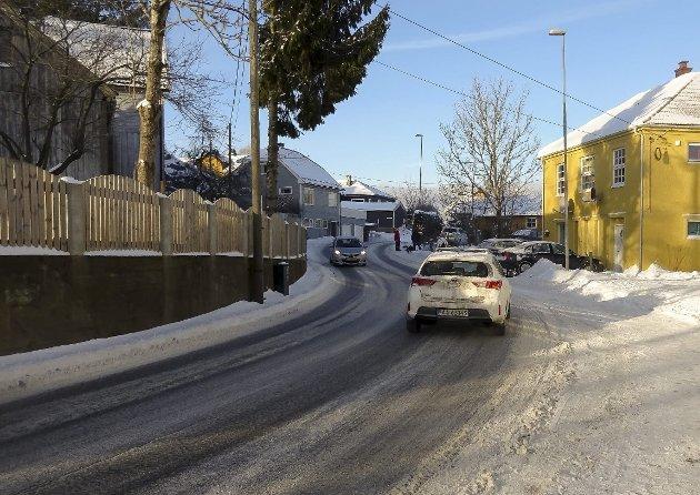 «Onstad-svingene»: – MDG's representant i MISA sier til Moss Avis at: «Jeg tror folk nå må slutte å krangle om småveier».  Det han kaller «småvei» er altså hovedtrafikkåren mellom Krapfoss og Moss sentrum, konstaterer Høyres representanter.