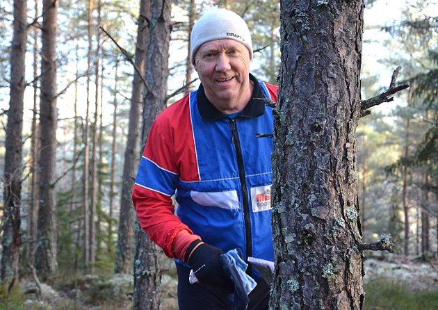 SVÆRT RUTINERT:Sture Ottesen har deltatt i flere orienteringsløp enn de fleste de siste årene. Rakstingen i 60-årene nyter løp i skog og mark.