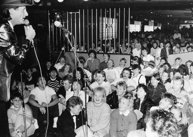 God stemning då Busserulls gjesta Morilden diskotek hausten 1988