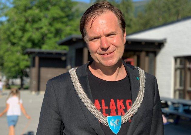 SVAR PÅ TILTALE: Alfred Bjørlo svarar på kritikken frå Hanne H. Kristensen (H).