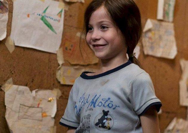 Godt spilt: Jacob Tremblay spiller Jack, femåringen med det lange håret som har levd hele livet innestengt med mamma. Hvordan er livet på utsiden av rommet?Foto: FILMWEB