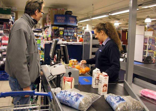 VIKAR: Sommerjobber i dagligvareforretninger er populære, men mangelvare.