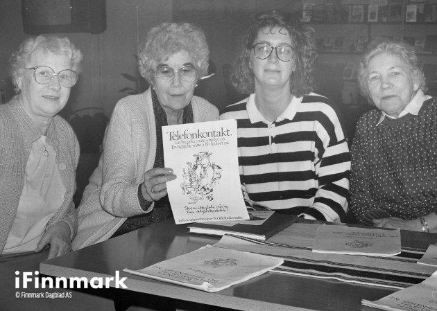 Arbeidsutvalget i Telefonkontakt. Sally Kristiansen, Pernille Pedersen, Bjørg Balstad og Anny Andersen. 21.01.1988.