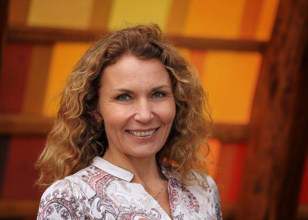 Gode selvbetjente tjenester på nett, må suppleres med mer tradisjonelle former for å komme i kontakt med offentlige tjenester, mener Kjerstin Wøyen Funderud, 2. kandidat på Senterpartiets stortingsvalgliste.