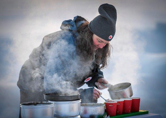 Årets stormkock 2018. Tärnaby. 9 kokker lager mat i -28 C på Trangia stormkjøkken.   4. Gunilla Olofsson.