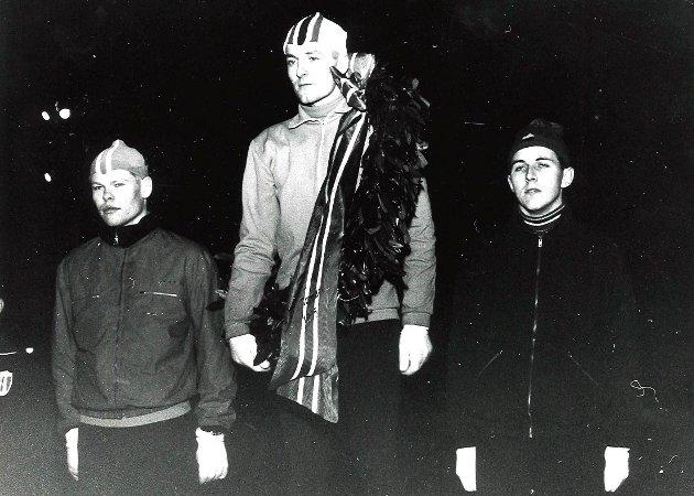 NORGESMESTER: Fred Anton Maier som norgesmester i Arendal i 1965 flankert av toeren Per Ivar Moe (til venstre) og treeren Magne Thomassen