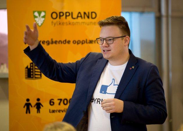 UNOTER OM E6: Fylkesordfører Even A. Hagen må vise politisk kløkt. Han må unngå at fylkeskommunen konkurrerer med Lillehammer kommune om å la formalia sette framdrift av E6-prosjektet i spill.