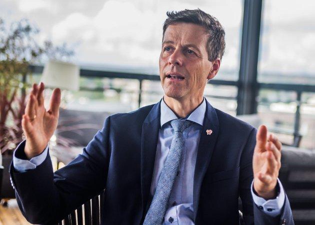 Jeg erkjenner at byer som Fredrikstad, Sarpsborg og Halden nå har blitt satt i en vanskelig situasjon, skriver samferdselsminister Knut Arild Hareide.