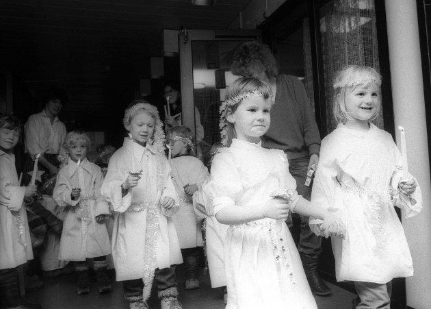 Luciatog på sykehjemmet i Mosjøen des. 1983.