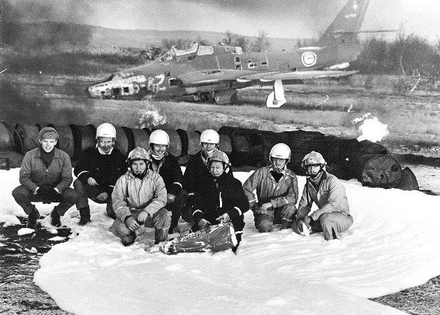 07.11.81: Brannslukkerne ved Banak flystasjon.