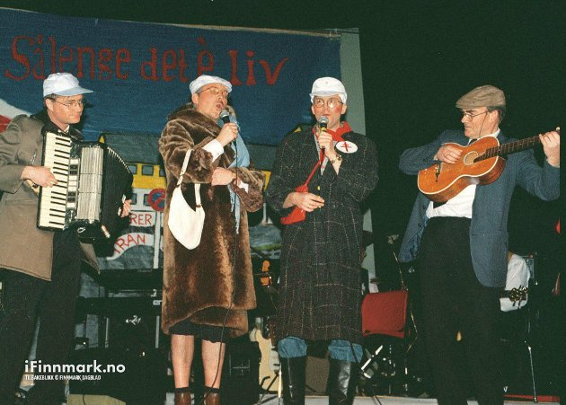 HAVØYSUND: Havøysund Musikkforenings juleshow. Morten Jørgensen, Ernst Seppola, Atle Fredriksen og Alfred Stabell.
