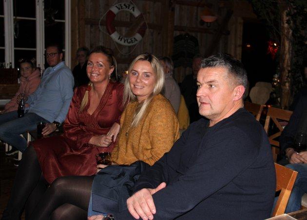 Line Nilsen Olufsen (f.v.), Cathrine Nilsen og Rune Liland før konsertstart.