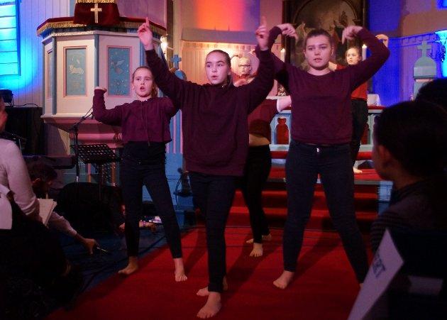 DANS: Kulturskolen danset for første gang i kirken.