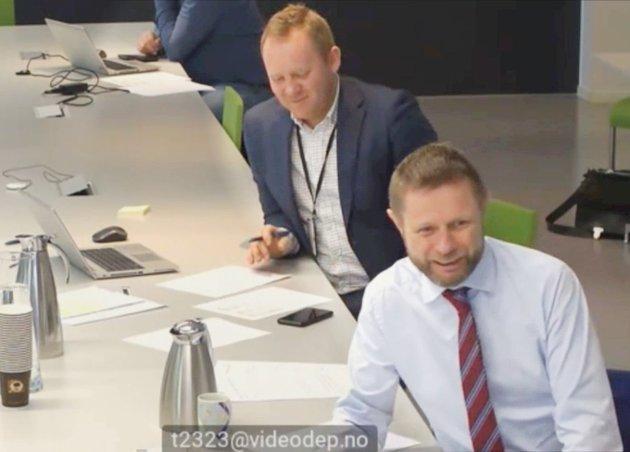 SYKEHUSKABAL: Helseminister Bent Høie (H) spurte kommunene om de virkelig ville melde seg ut av debatten ved ikke å svare på spørsmålene hans. Nå må kommunene gjøre hjemmeleksa si, så de ikke mister innflytelse, slik Høie påpekte.