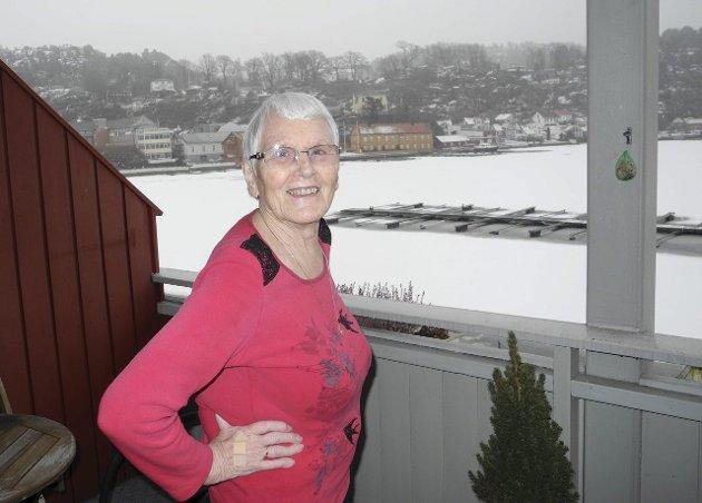 TRIVDES: – Her på brygga med utsikt over havna liker jeg meg godt. Håkon og jeg snakket ofte om at vi skulle flytte hit når vi ble gamle, fortalte Else Milde i et intervju med HA i mars 2016. Nå har hun gått bort.
