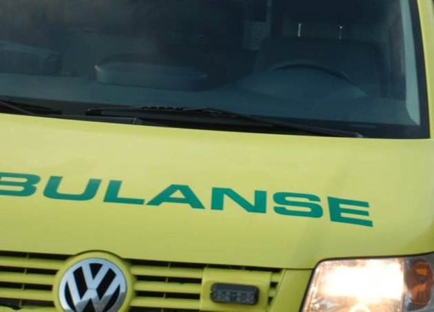 *** Local Caption *** ambulanse