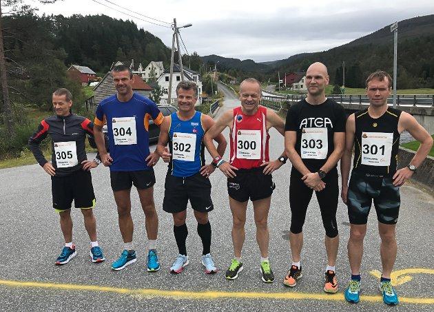 Maraton-løøparane før start.