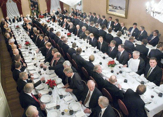 MANNESKANSE: Det er bare snakk om et pennestrøk ved en generalforsamling, så er Haldens Klub åpnet for damer. Arkivfoto