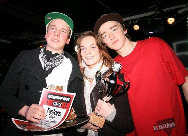 Martin Hennie (16), Maja Sørdal (16) og Kristoffer Lier Hansen (16) fra hiphopbandet Klaustrofobi (Tårnåsen) har stukket av med premien på over syv tusen kroner og sikret seg en plass i Tårnåsenfestival 2008.