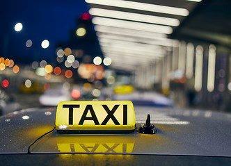 Taxiliberalisering: – Senterpartiet er sterkt imot liberaliseringen av taxinæringen som nå foregår. Dette er en av våre prioriterte saker som vi skal reversere dersom vi kommer i regjering, skriver Bengt Fasteraune. Illustrasjonsfoto
