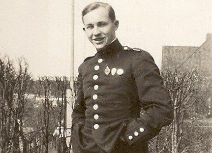 Kadett Camillo Mordt.  Han tok Krigsskolen i 1931 - 1932, og ble utdannet  fenrik. Mordt hadde løytnants grad ved krigsutbruddet i 1940. Fra klokken 05:30 den 16. august 1943 var han tysk krigsfange.