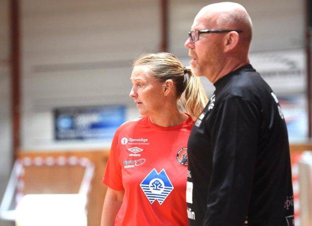 Trenere Helle Thomsen og Petter Kjærnes.