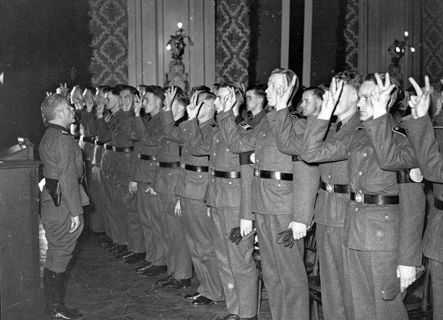 Edsavleggelse Norske SS soldater