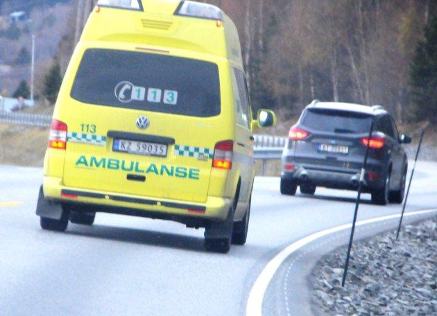 FLOM: Sjukehuset Innlandet er avhengig av at ambulanser kommer fram og vurderer nå om de skal forhåndsutplassere ambulanser i de mest flomutsatte områdene.