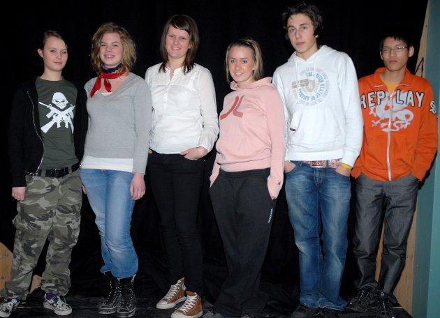 INNSPILL: Disse seks kom med innspill til nye Hadeland videregående skole. Fra venstre: Kjersti Hoel, Mari Wøien, Julie Nilsen, Katrine Moløkken, Eirik Løhre og Erlend Tollaas.