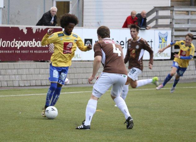 SIL - Mo IL HESA 4. divisjon på Stamnes Arena. Nahom Bereket Asgodom scoret SILs andre mål i andre omgang. Bilder: Jill-Mari Erichsen