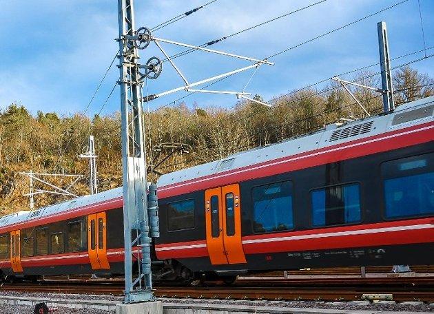 BEDRE Å VENTE: Jeg tror at det er bedre at toget kommer to-tre år seinere enn at vi får en feilplassert stasjon for all framtid, skriver Tor Bjørvik.