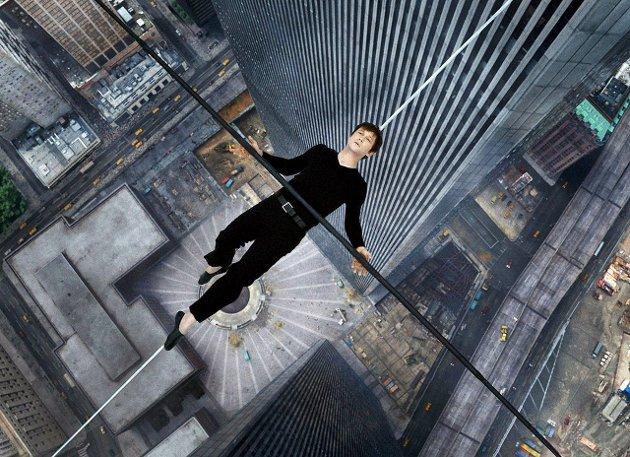 Langt ned: «The Walk» er ingen film for de med høydeskrekk. Det er som du går på linen sammen Joseph Gordon-Levitt.