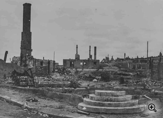HISTORISK BILDE: Kirkenes etter nedbrenningen.