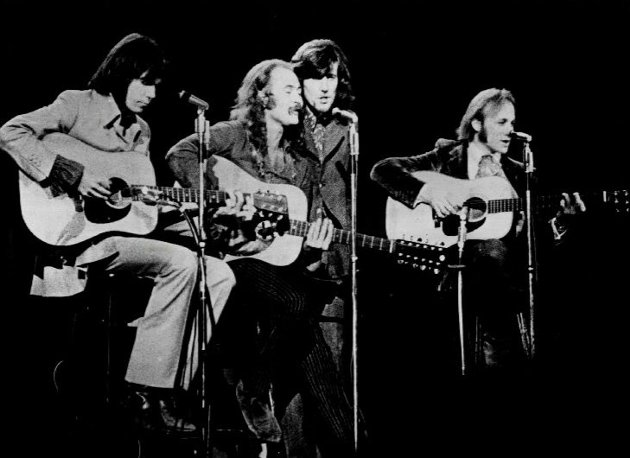 Neil Young, David Crosby, Graham Nash og Stephen Stills. Bandet sitt det!