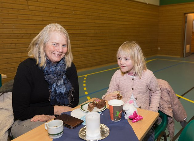 Se bilder fra Hvaler Musikkforening på Floren Skole.