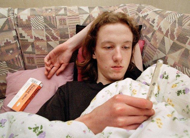 VIRUS: Influensaen for 25 års siden ble kalt Johannesburgviruset og den toppet seg inn mot jul. Erlend Dyrendahl, da 17 år gammel fra Raufoss måtte søke tilflukt i sengehalmen for å bli kvitt basillene fra Johannesburg.