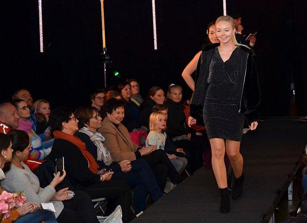 MED STIL: Cubus-modellen Malene kunne te seg på catwalken.