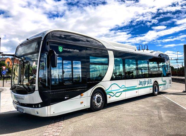 KOLLEKTIV: Bare i Nord-Fron dagpendler 330 personer. Hva skal til for å få dagpendlerne til å buss i stedet for bil?