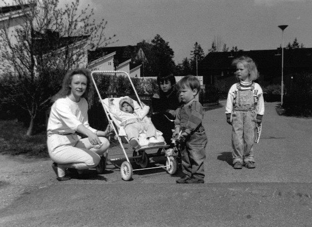 Bildet er tatt i forbindelse med en sak hvor beboere på Åvangen ønsket seg fartshumper. (Navn/årstall ukjent)