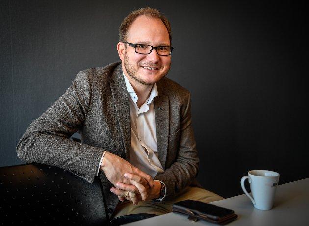 Daniel Bjarmann-Simonsen fra NHO Nordland maner til samarbeid. Også på Helgelands svar på Balkan.