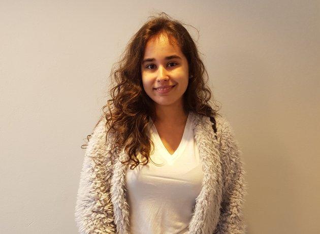 Nour Helene Kassem (18): – Jeg er ikke fornøyd med resultatet. Jeg håper i denne nye perioden, at det blir tatt mer hensyn til miljøet, og at de hører mer på folkets mening når det kommer til oljeboring utenfor Lofoten.
