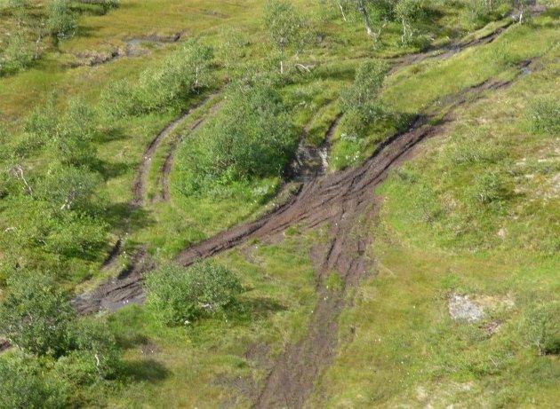 Slik kan det se ut når ATV-er kjører på barmark. Foto: Fylkesmannen i Trøndelag