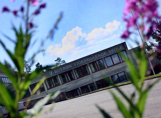 60 videregående skoler: I den nye fylkeskommunen Viken blir det tilsammen 60 videregående skoler de folkevalgte skal ha oversikt over. SP går til valg på å oppløse Viken.illustrasjonsfoto