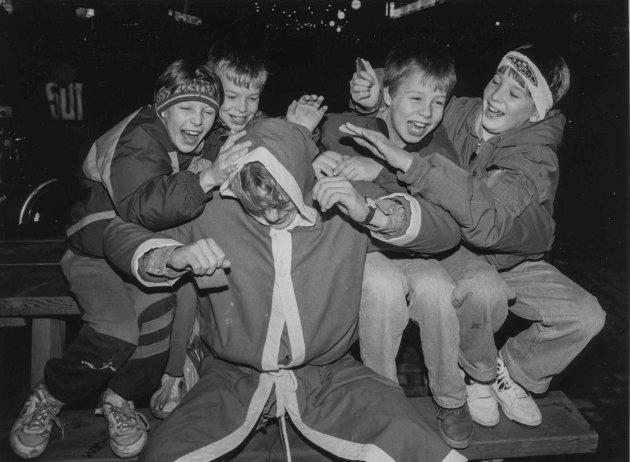 Nissen fikk ikke være i fred under julegateåpning i Askim i 1991.