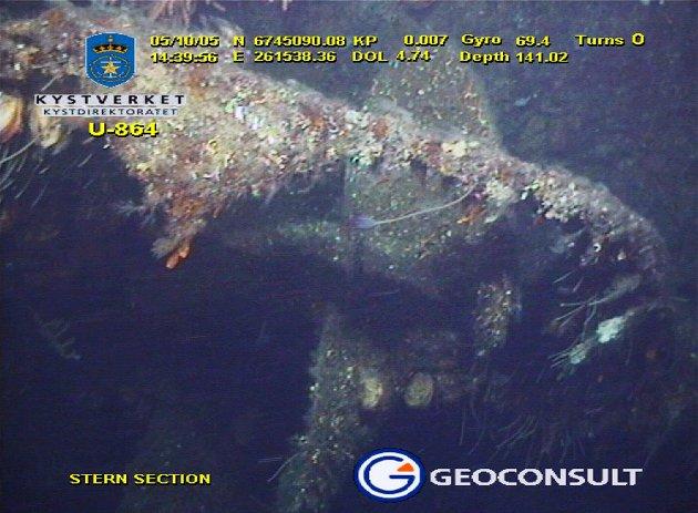 I 75 år har ubåtvraket ligget på havbunnen vest for Fedje. I 17 år har norske myndigheter prøvd å finne ut av hva de skal gjøre med vraket og den miljøskadelige lasten. Dette undervannsbildet er fra 2005.
