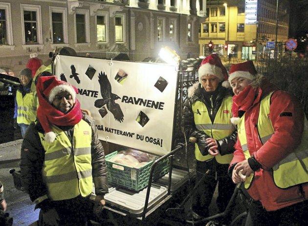 Boller og kakao: – Demper gemyttene i taxikø, sier natteravner i Kristiansand. Foto: Natteravnene